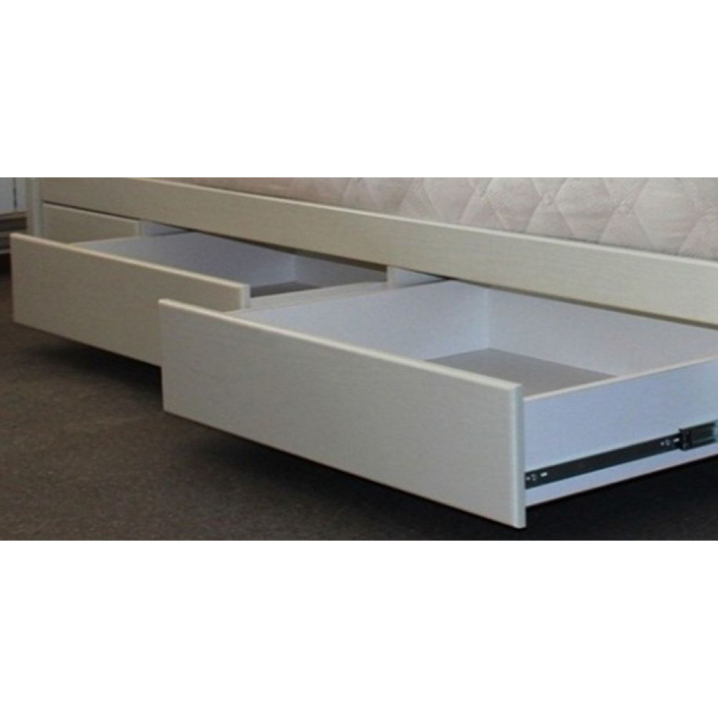 Кровать ЗОРЯНА + ящики